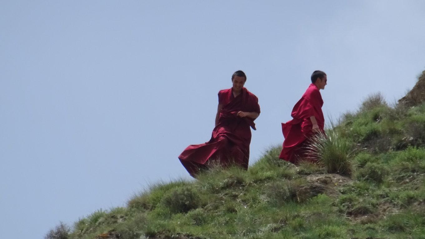 Attroupement monastère 2